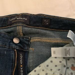 Lucky Brand Frayed Jeans in Excellent Condition